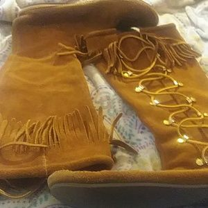 Cool moccasins size 11.